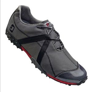 Men's spikeless golf shoes